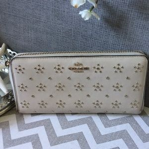 Coach, ACCORDION ZIP WALLET WITH STUDS GOLD